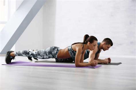 fare ginnastica in casa esercizi di ginnastica da fare a casa senza attrezzi