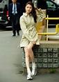 都是「腿精」,陳鈺琪西裝裙碰上孫怡v領裙,一個職場一個復古 - 壹讀