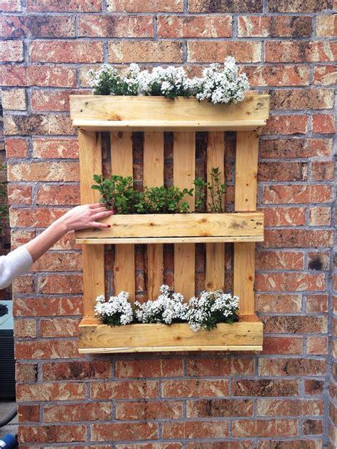 D I Y Garden Decoration Ideas by Diy Shipping Pallet Garden Ideas Pallet Idea