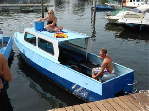 Speedboot Met Kajuit by Kajuitboot Huren In Drimmelen Noord Brabant Bootverhuur