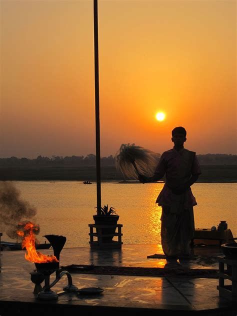 filemorning aarti   ganges  sunrise varanasijpg