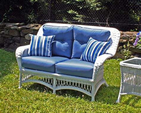 Outdoor Wicker Loveseat by Outdoor White Wicker Loveseat Princeton