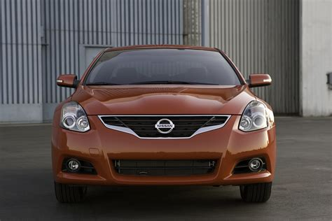 nissan altima coupe review