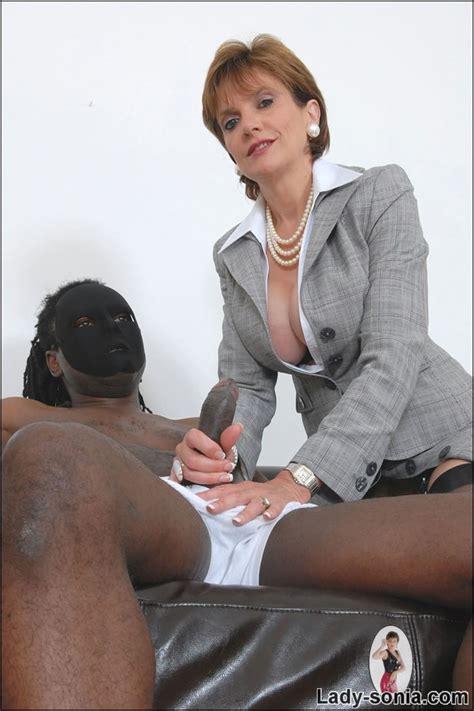 British Classy Business Woman Milf Gives A Black Cock A Handjob Pichunter