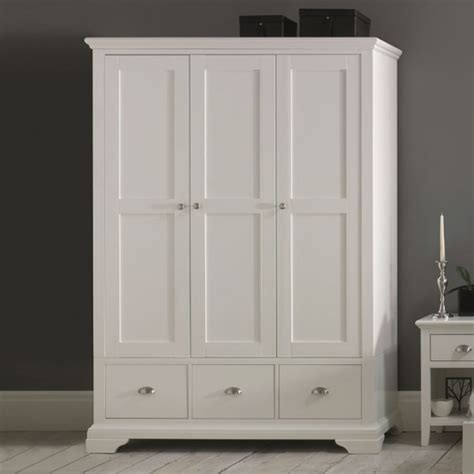 Hampstead White Triple Wardrobe   UK delivery