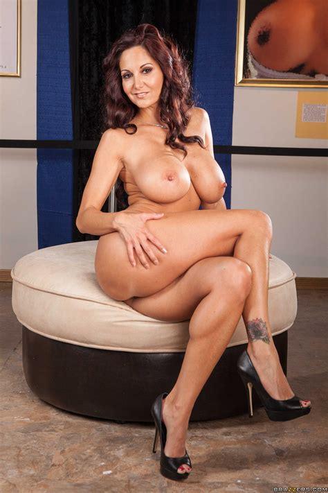 Hot Teacher Likes Showing Her Naked Body Photos Ava