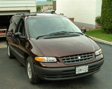 Keith's Auto History # 16 1996 Plymouth Voyager