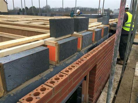 beam filling  lift bricklayers