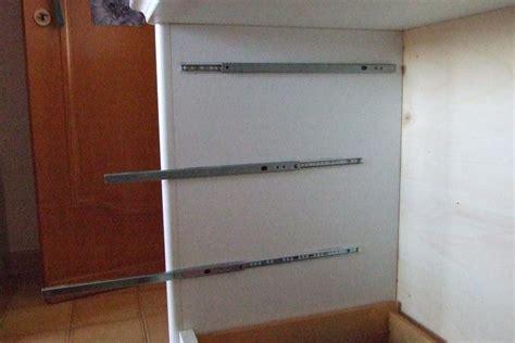 cassetti scorrevoli ikea montare eeepc nel cassetto portaoggetti