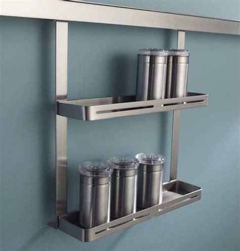 etagere cuisine design étagère à épices pimentez la déco de votre cuisine
