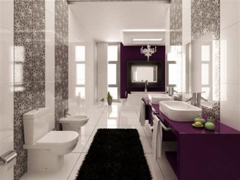 black white purple bathroom idėjos erdvaus vonios kambario interjerui pasmama lt 17440