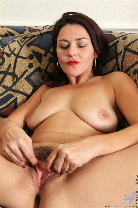 Redhead MILF Betsy Long Finger Her Clit MILF Fox