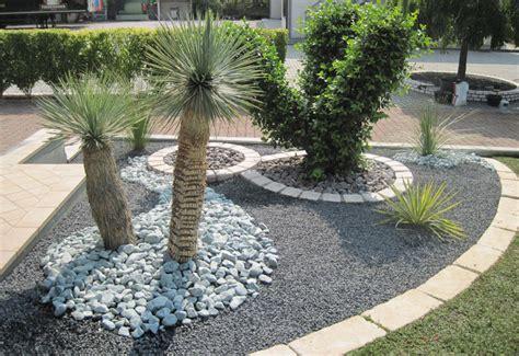 pietre per aiuole giardino aiuole con pietre te64 187 regardsdefemmes