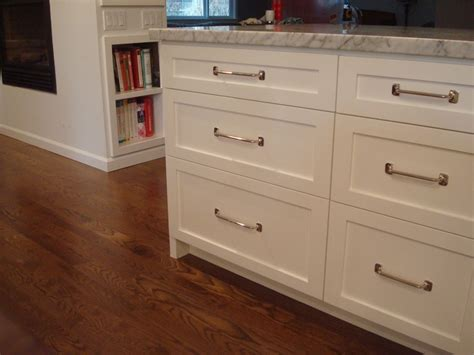 full overlay shaker cabinets pin by diane siebels on kitchen cabinet ideas pinterest