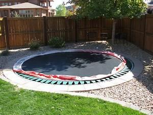 In Ground Trampolin : in ground trampoline jami 39 s landscape pinterest ground trampoline trampolines and yards ~ Orissabook.com Haus und Dekorationen