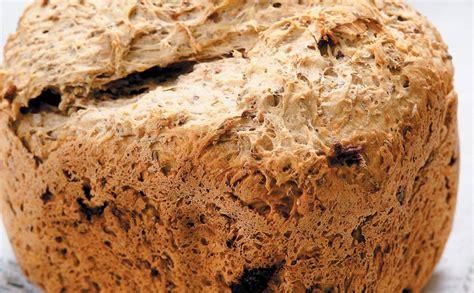 Kviešu maize ar diedzētiem graudiem — Santa