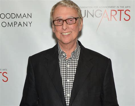 mike nichols the odd couple mike nichols dies broadway to dim lights in director s