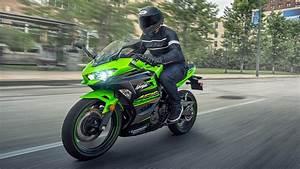 Kawasaki Ninja 400 : kawasaki ninja 400 a closer look iamabiker ~ Maxctalentgroup.com Avis de Voitures