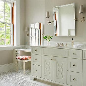 Ivory Bathroom Vanity by Ivory Make Up Vanity With Ivory Quatrefoil Vanity Chair