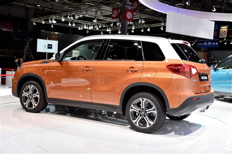 suzukis  vitara suv  mainstream  paris carscoops