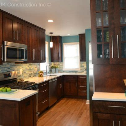 Blue Kitchen Walls With Brown Cabinets by Best 25 Teal Kitchen Walls Ideas On Teal