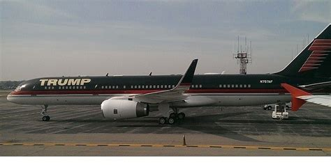 trumps  air force  problem   year  plane