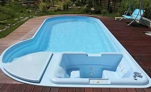 Piscine Pas Cher Tubulaire : piscines en coque polyester pas cheres prix discount pas ~ Dailycaller-alerts.com Idées de Décoration