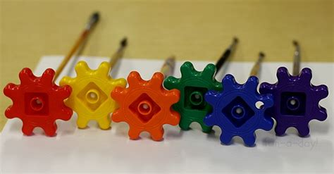 preschool projects painting with gears 906 | gears 2