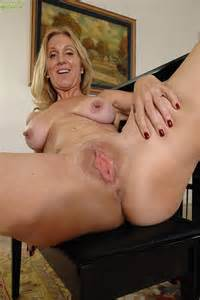 Blonde Milf Jenna Covelli Caress Her Miffy Milf Fox