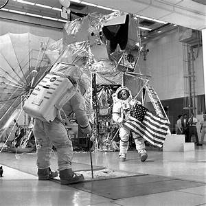 File:Apollo 14 Crew Training - GPN-2000-000962.jpg ...