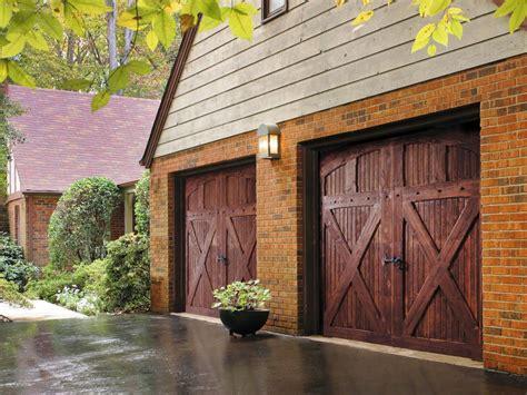 Garage Doors : Garage Door Buying Guide