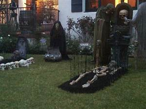 Scary Halloween Decorations That Make Fun The Latest