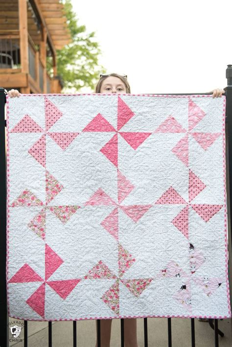 baby quilts to make free baby quilt patterns featuring simple turnstile quilt