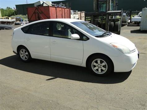 Buy Used 2004 Toyota Prius 4 Door Liftback Hybrid In Salem