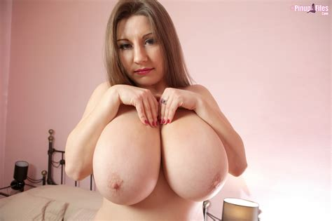 Samanthas Beamy Enduring All Natural Breasts Are A