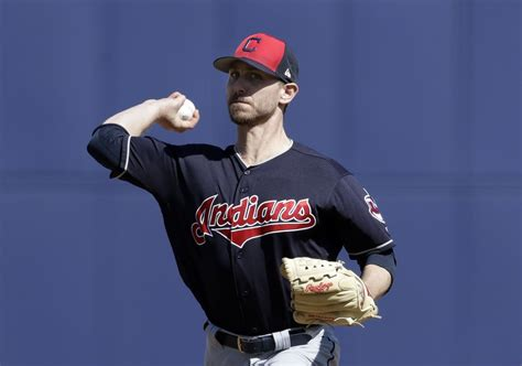 Former Cleveland Indians right-hander Josh Tomlin signs ...