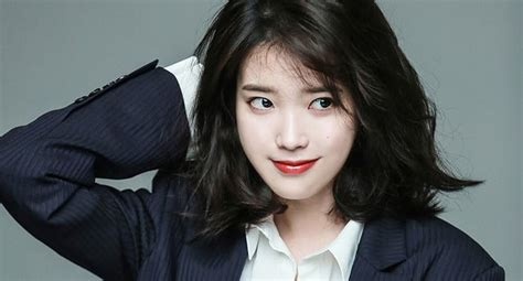 Iu Revealed To Have Treated Whole Restaurant To Meal To