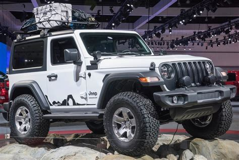 jeep accessories 2018 jeep wrangler heads to the consumer electronics show