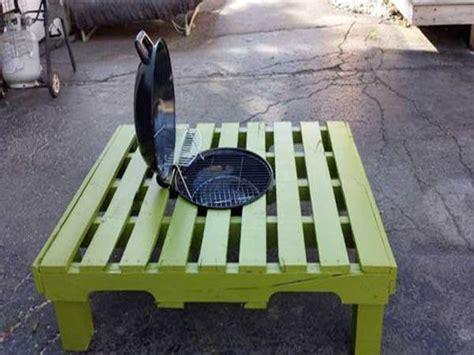 peinture cuisine bois table basse palette a transformer en table barbecue