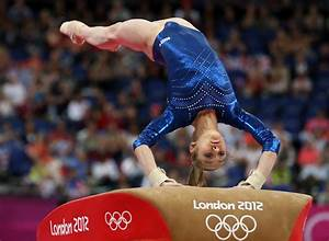 Victoria Komova Photos Photos - Olympics Day 6 ...