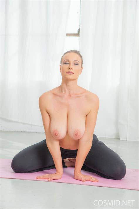 nude yoga gallery