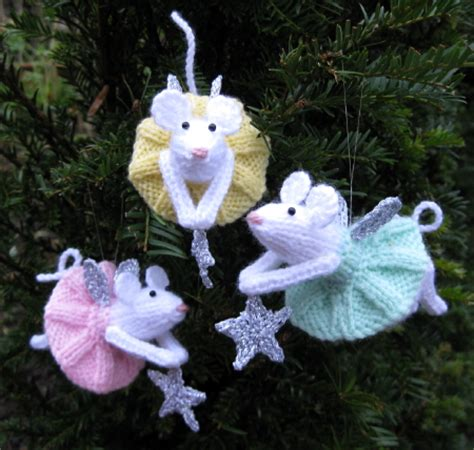 10 free knit christmas ornament patterns