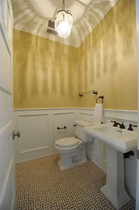 Traditional Powder Room With Pedestal Sink & Crown Molding