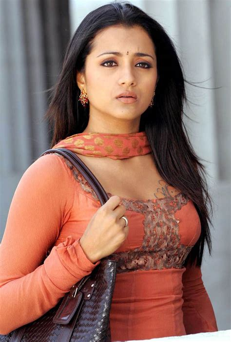 Bollywood Trisha Photoes And Wallpapers 2012