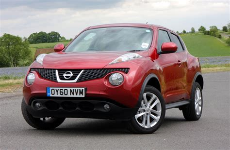 nissan juke nissan juke estate 2010 photos parkers