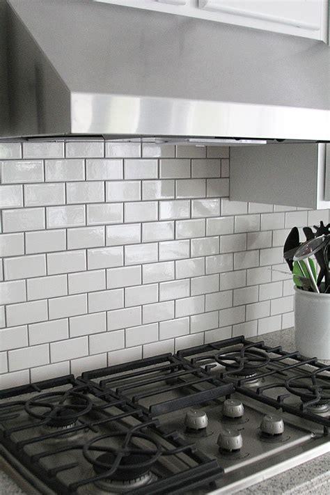 white subway tiles subway tile kitchen backsplash how to withheart