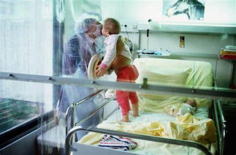 chambre sterile pour leucemie bébés bulle la thérapie génique plus efficace que la greffe