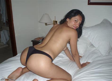amateur latina Wife Naked Home porn Bay