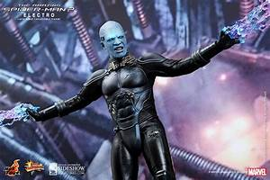 THE AMAZING SPIDER-MAN 2 Electro Hot Toys Figure | Collider
