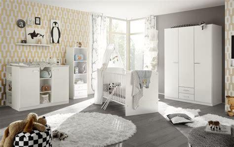 Babyzimmer Bett Und Wickelkommode by Babyzimmer Ella In Wei 223 7 Teiliges Megaset Mit Schrank